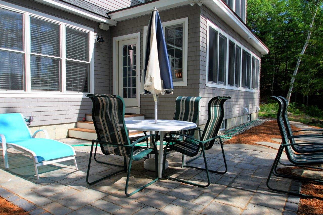 Choose the right hardscape for your yard